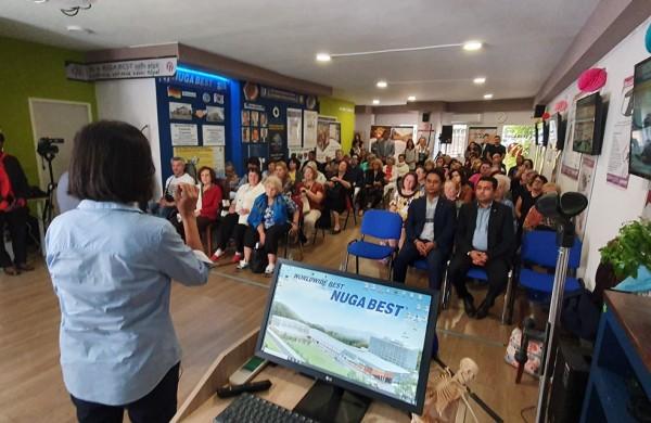 Επίσκεψη στο κατάστημα των Αμπελοκήπων από τους συνεργάτες μας από την Κορέα