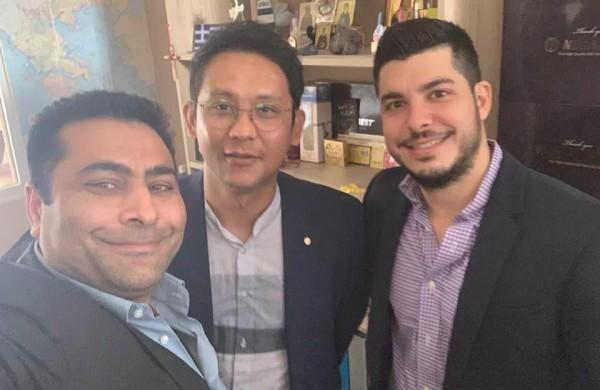Επίσκεψη των συνεργατών από την Κορέα στο κατάστημα της Δάφνης